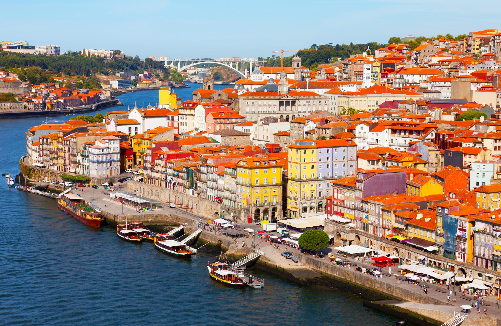 LIS - Lisbon