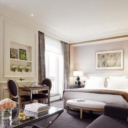 #LoveIsLove: Grand Hôtel Du Palais Royal