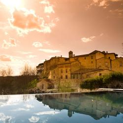 Villas and More 2016: CASTEL MONASTERO, CHIANTI - 08-03-2016